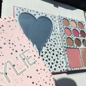 New Kylie I Want It All pressed powder palette